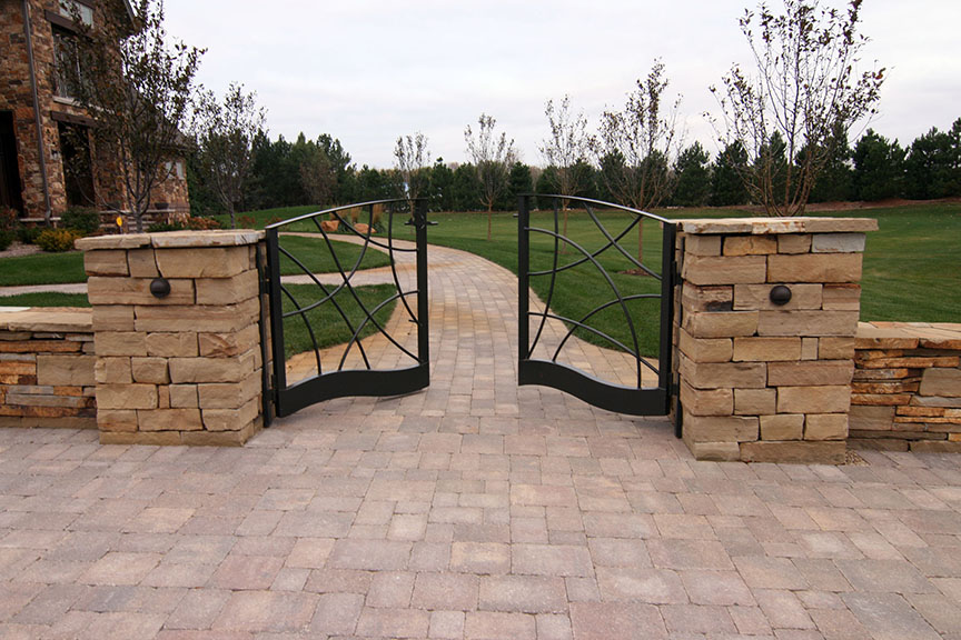 MetalSmith's Design Custom Entry Gate