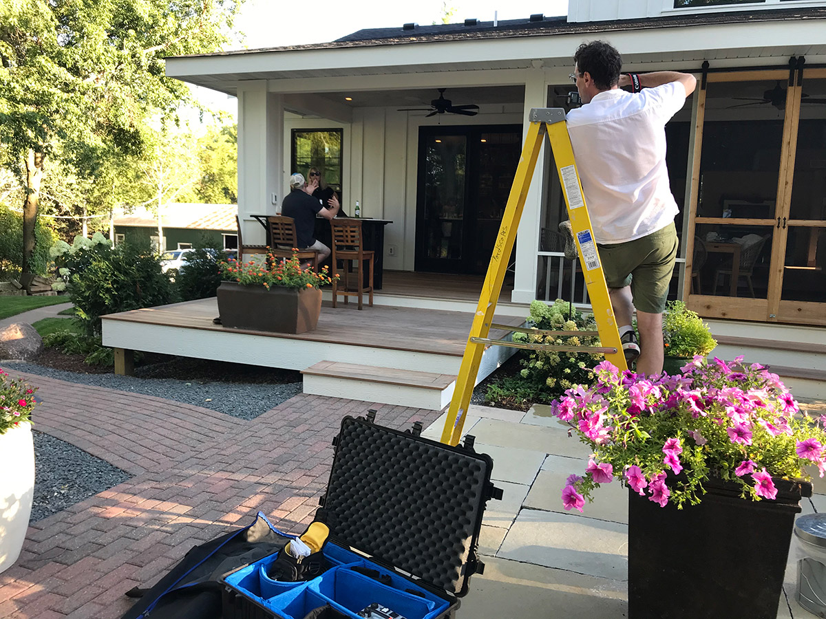 Paul-Owen-Photography-setting-up-for-an-outdoor-kitchen-photograph
