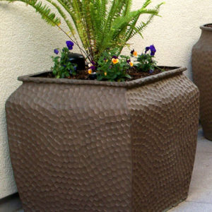 Tournesol Siteworks Craftsman Collection Hammered Planter